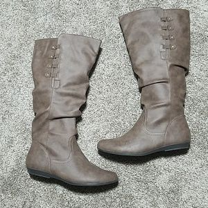 Cliffs Brown Boots Wide Calf Opening